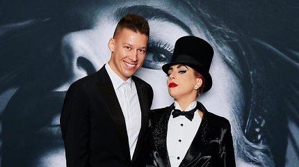 R.Širvinskas-Makalius susitiko su Lady Gaga: apsikabinus ant švarko liko atlikėjos makiažo