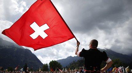 Šveicarija pavėlino internetinio balsavimo sistemos diegimą visoje šalyje