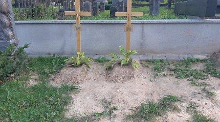 Iškilmingai perlaidojusi signatarą Mykolą Biržišką valstybė jo kapą paliko likimo valiai