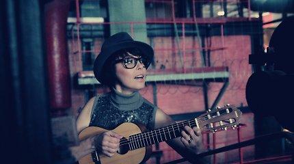 """Grupės """"4Fun"""" lyderė Julija Ritčik pristato solinę dainą """"Kai ruduo ateina"""": įvertinkite"""