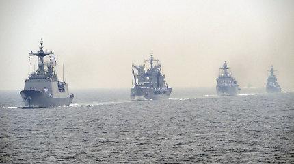 Pietų Korėja siunčia karinį laivą išlaisvinti piratų pagrobtų įkaitų