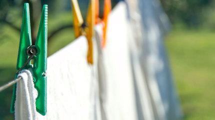 10 priežasčių naudoti actą skalbimo metu: balina drabužius ir puikiai išvalo dėmes