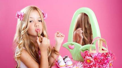 Stereotipiškas mergaičių auklėjimas vaikystėje atsiliepia senatvėje, rodo studija