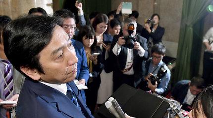 Japonijos ekonomikos ministras atsistatydina dėl dovanėlių rinkėjams skandalo