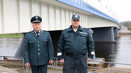 Atsidūrę vietoje ir laiku Kauno policininkai išgelbėjo paauglę