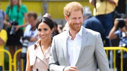 Princas Harry ir hercogienė Meghan aplankė Nelsonui Mandelai skirtą parodą