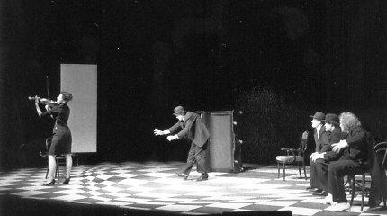"""Oskaro Koršunovo spektaklis """"Ten būti čia"""""""