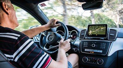 0,5 sekundės, apie kurią vairuotojai nesusimąsto: vairuodamas nečiaudėk