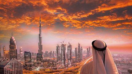 """Aukščiausias pasaulio pastatas švenčia 10-ąjį gimtadienį: 15 stebinančių faktų apie """"Burj Khalifa"""""""