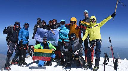 Į aukščiausią kalną Europoje – Elbrusą – užkopę lietuviai viršūnės šturmui pasirinko ypatingą datą