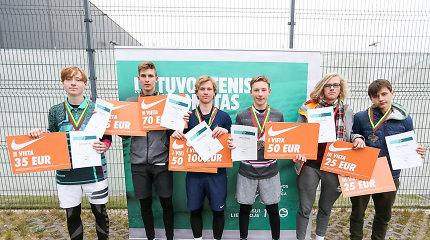 Lietuvos šešiolikmečių teniso čempionai – P. Vaitiekūnas ir K. Bubelytė