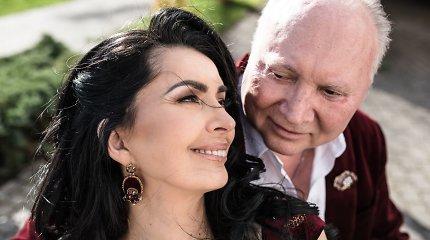 43-iųjų vestuvių metinių proga A.Ivanauskas-Fara žmonai atliko dainą, kuriai skambant pasipiršo