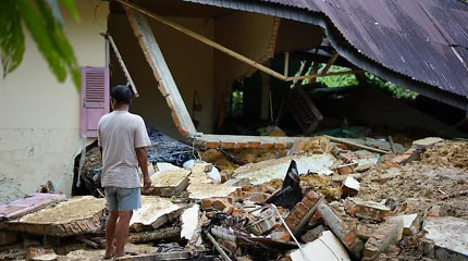Indonezijoje nuslinkus žemės nuošliaužai žuvo septyni žmonės