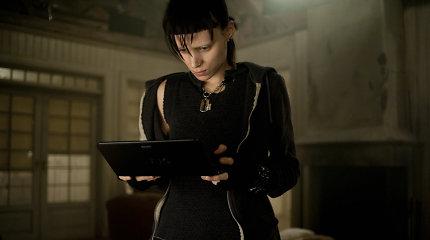 """Rooney Mara ir Danielis Craigas nebevaidins """"Merginos su drakono tatuiruote"""" tęsinyje"""