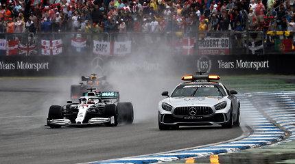 """Nenusakoma žodžiais """"Formulė 1"""" Vokietijoje: lietus, avarijos ir įspūdingi lenkimai"""