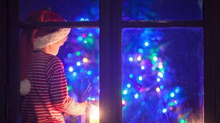 Septyni būdai taupyti elektrą neišvarant Kalėdų dvasios iš namų