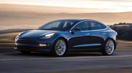 """Kvailiausia ar protingiausia """"Tesla Model 3"""" versija? Parduodami vos 151 km įveikiantys """"Model 3"""""""