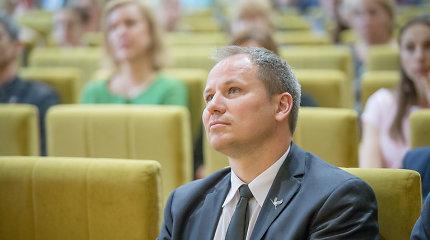 """""""Valstietis"""" G.Surplys antrame ture Zanavykų apygardoje rems konservatorę, R.Karbauskis – nieko"""