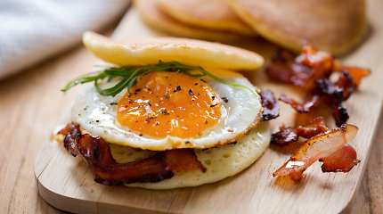 12 įdomių kiaušinių patiekalų: virti be lukšto, kepti puodelyje ar marinuoti