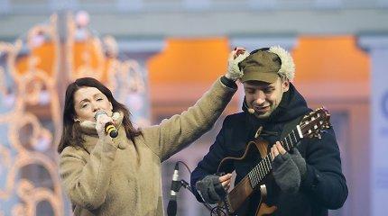 Kalėdinę mugę Prezidentūros kieme vainikavo nuotaikingas koncertas