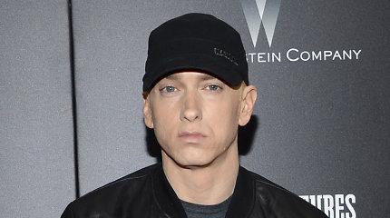 Mirė Eminemą dar kūdikystėje palikęs tėvas: atlikėjas su juo taip ir nepasimatė