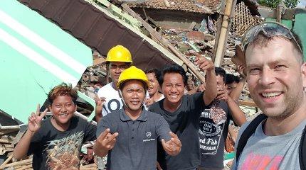 """Indonezijoje gyvenantis Edgaras apie cunamio padarinius: """"Namai sugriuvę, bet žmonės džiaugiasi likę gyvi"""""""