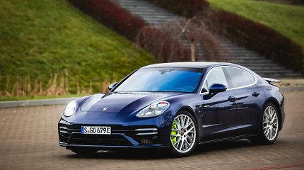 """""""Porsche Panamera"""" hibridas su 700 AG: tarpkontinentinis laineris, ar sportiškas sedanas?"""