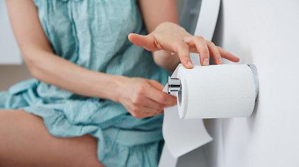 Kodėl tualetinį popierių į klozetą mesti galima, o popierinių nosinių – jokiu būdu ne?