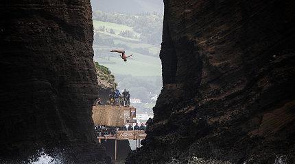 Portugalijos gamtos fone – įspūdingi ekstremalų šuoliai laukinės