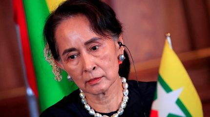 Chuntos nuverstos Mianmaro lyderės teisme bus duoti pirmieji parodymai