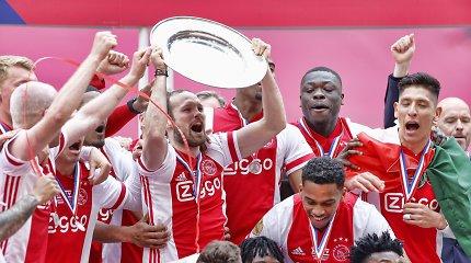 """Neregėtas poelgis: """"Ajax"""" klubas dėl sirgalių išlydė Olandijos čempionų trofėjų"""