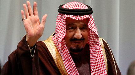 Saudo Arabijos karalius dėl kiaulių gripo protrūkio atšaukė vizitą Maldyvuose