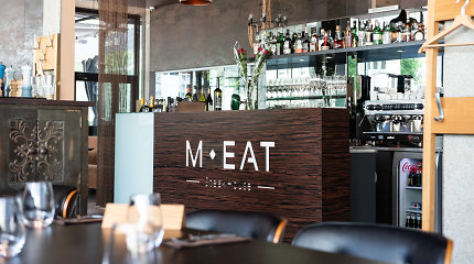 """30 geriausių restoranų. 18 vieta: Liutauro Čepracko ugnies patiekalų restoranas Vilniuje ir Nidoje – """"MEAT"""""""