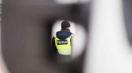 Aktyvus pošventinis laikas pareigūnams: girti pažeidėjai priešinosi ir mušėsi