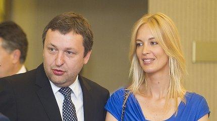 Antanas Guoga – oficialiai vėl vienišas: teismas nutraukė jo ir Aistės santuoką