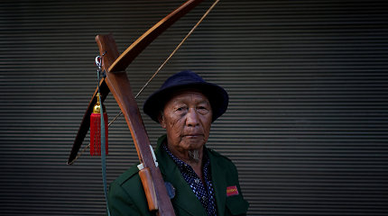 Kinijos kalnų kaimelyje siekiama išsaugoti šaudymo iš lanko tradiciją
