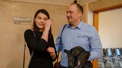 Išgirdusi teismo sprendimą apie negeroves įkalinimo įstaigose prabilusi R.Kazėnienė apsiverkė