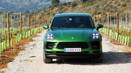 """""""Porsche"""" žinia """"benzingalviams"""": tradicinio """"Macan"""" nebebus, tik elektrinis"""
