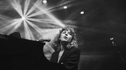 """Alina Orlova pristato rudenišką dainą: """"Geriau žiūrėti liūdesiui į akis"""""""