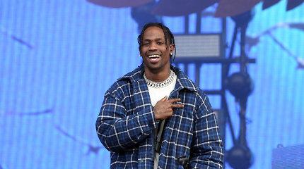 Jaunimo dievaitis Travisas Scottas dainos vaizdo klipą nufilmavo NBA legendos namuose