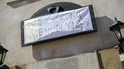 """Vienuoliai uždarė populiarų sostinės barą """"7 Fridays"""""""