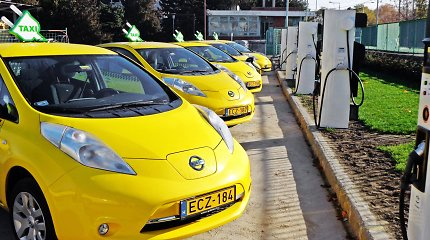 """""""Nissan"""" taksi elektromobilių skaičius perkopė 500 ribą"""