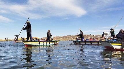 Peru upėje susidūrus dviem laivams žuvo mažiausiai 11 žmonių