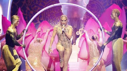 """""""Billboard"""" latino muzikos apdovanojimuose – """"Despacito"""" triumfas ir nėščios Cardi B pasirodymas"""