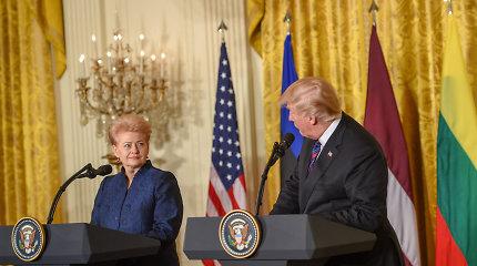 Užsienio žiniasklaida: Baltijos šalių vadovams teko nepatogiai mindžikuoti greta D.Trumpo