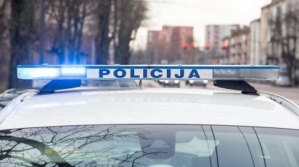 Klaipėdos rajone policijos pareigūnas ne tarnybos metu sukėlė avariją: nukentėjo moteris