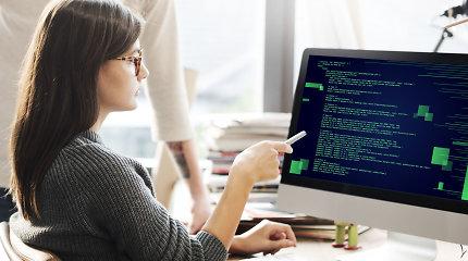 """""""Auksinė"""" profesija realybėje: kokio darbo galima tikėtis, baigus programavimo mokyklą"""