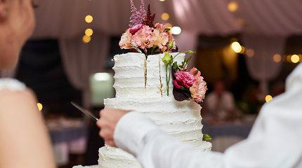 Žalą už paviešintas vestuvių nuotraukas bandę prisiteisti svečiai gaus dešimteriopai mažiau