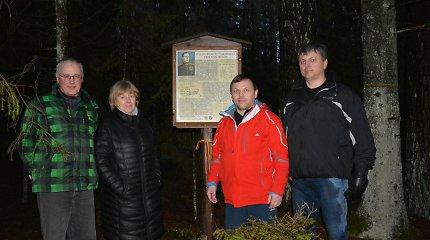 Marcinkonių miškuose žygio dalyviai pagerbė legendinį partizanų vadą Juozą Vitkų-Kazimieraitį
