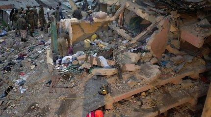 Nairobyje sugriuvus klasei žuvo septyni vaikai, dešimtys sužeista